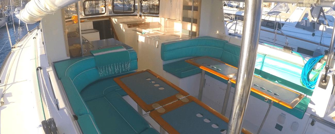 Location Voilier Atoll 43 Dufour Yachts dans le var avec ou sans skipper carre open space My Sail