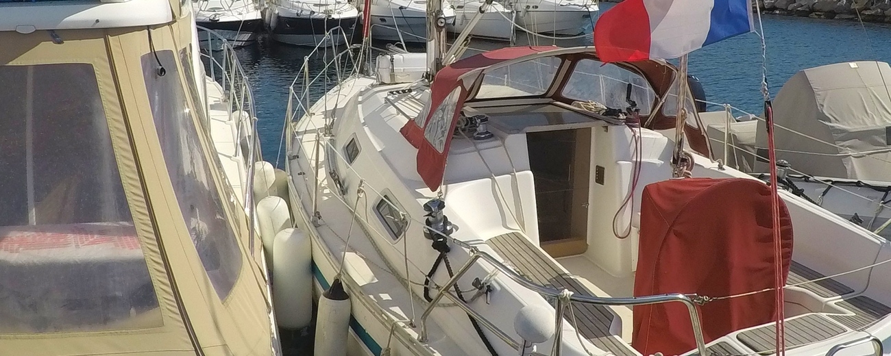 location voilier Bavaria 32 holiday var avec ou sans skipper croisiere balade en mer promenade en bateau